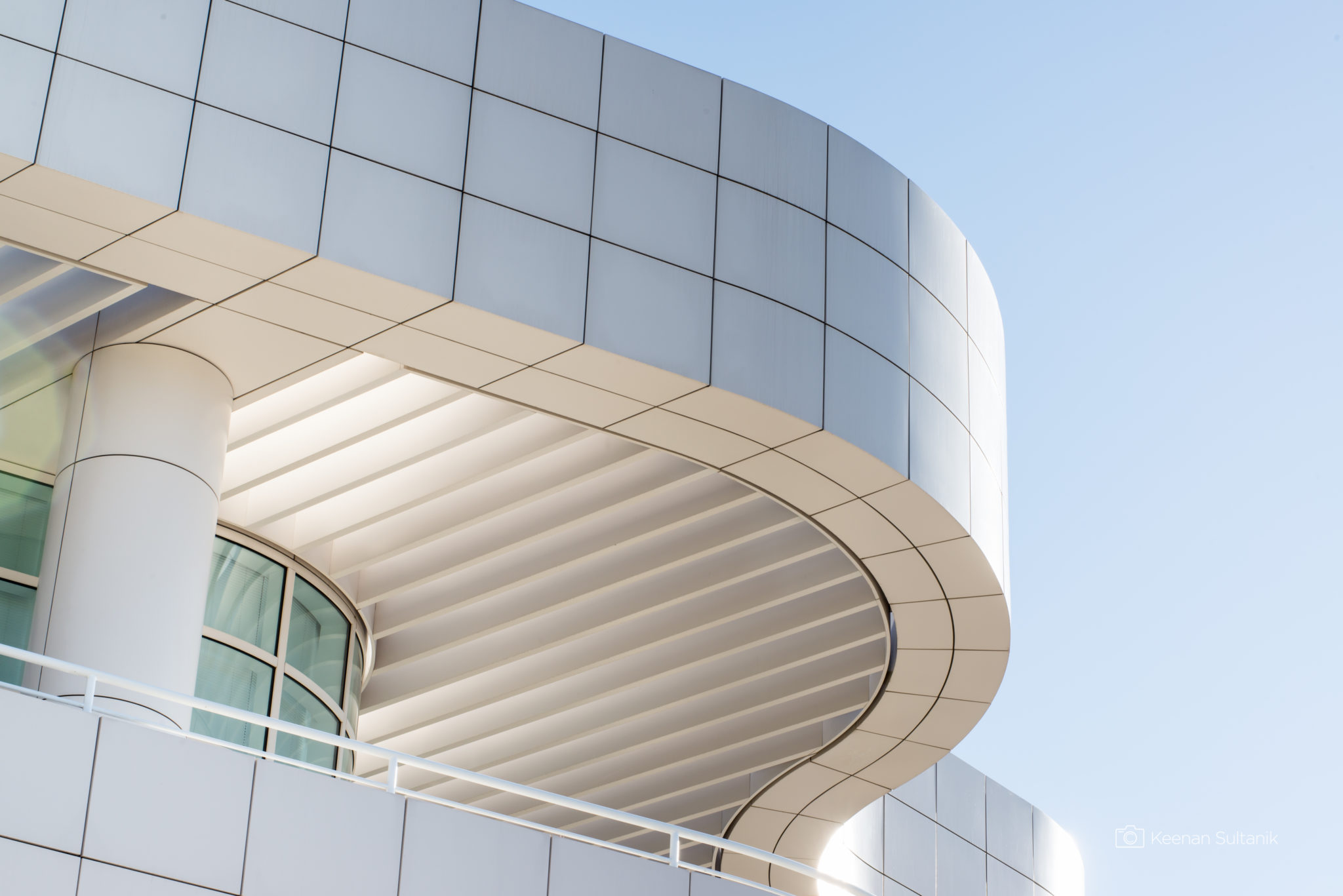 Curved Building